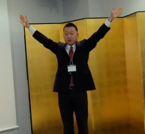 滝口さんによる校歌指導