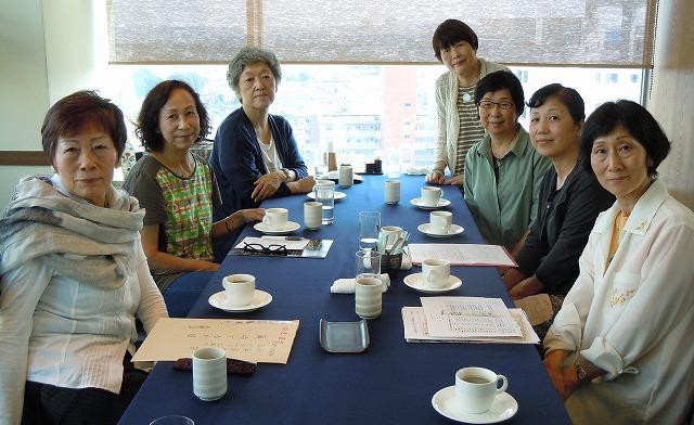 ティータイム。左中央が初めてご参加の浜田さん