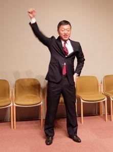 滝口さんによる校歌リード
