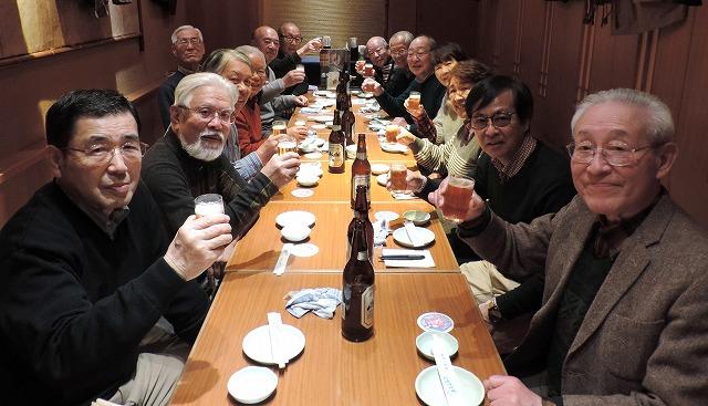 「庄や」で乾杯! 集合写真の代りです。ここに参加されなかった4人の皆さんごめんなさい。 でもスナップのどこかに写っていますよ