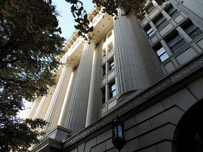 明治生命館のコリント式列柱